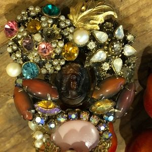 COLORFUL  VINTAGE  BROOCH